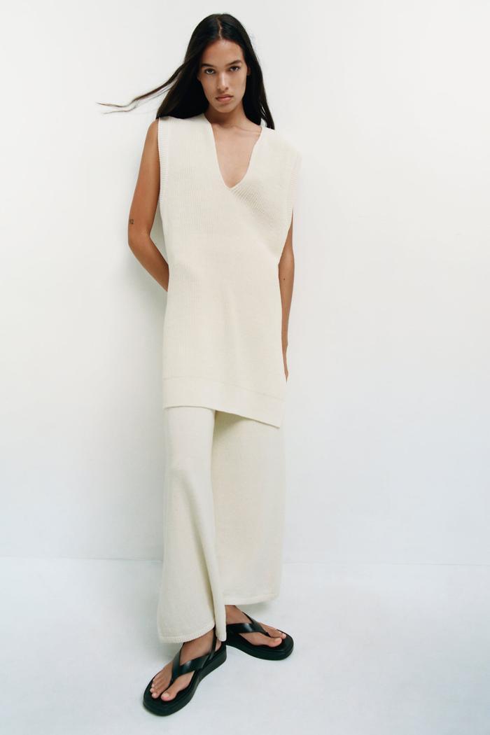 Zara V-Neck Knit Vest