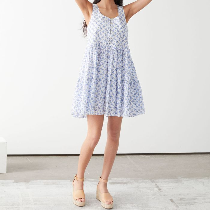 13 Casual Dresses and the Best Shoes to