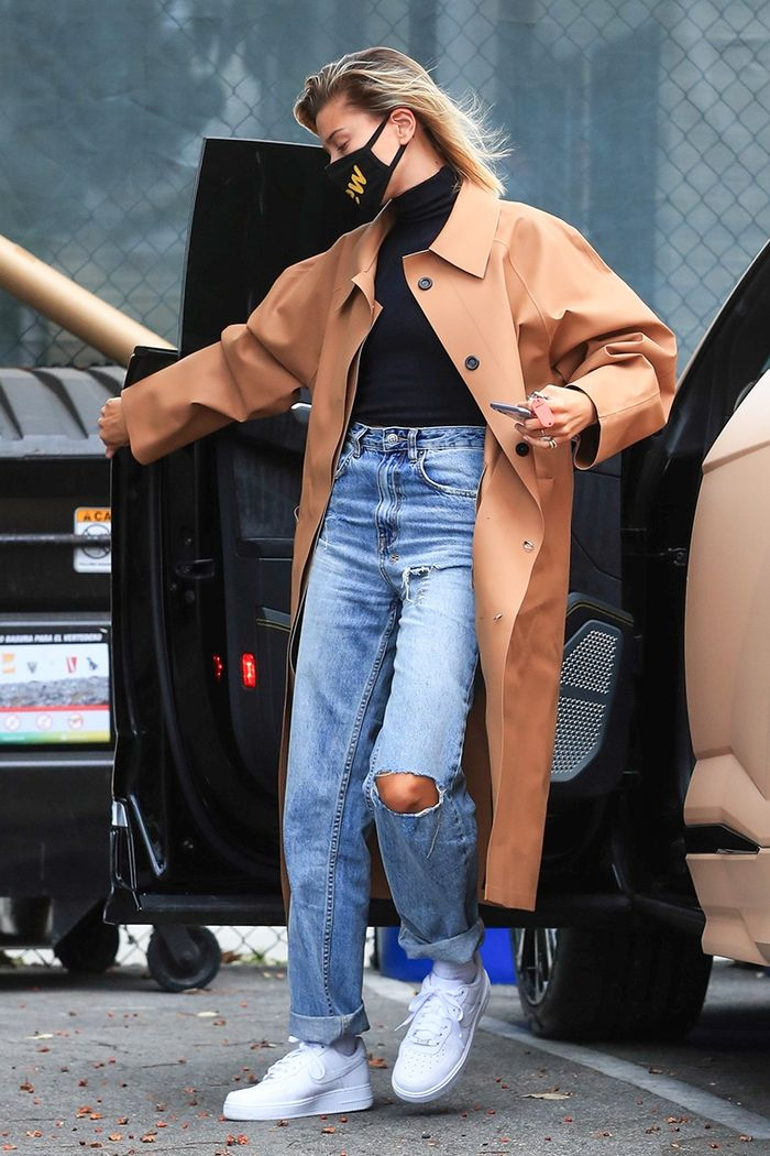 Hailey Bieber fall outfit