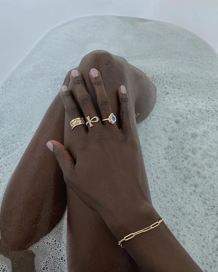 Nails and Jewellery Ideas: @lefevrediary keeps her mani minimal