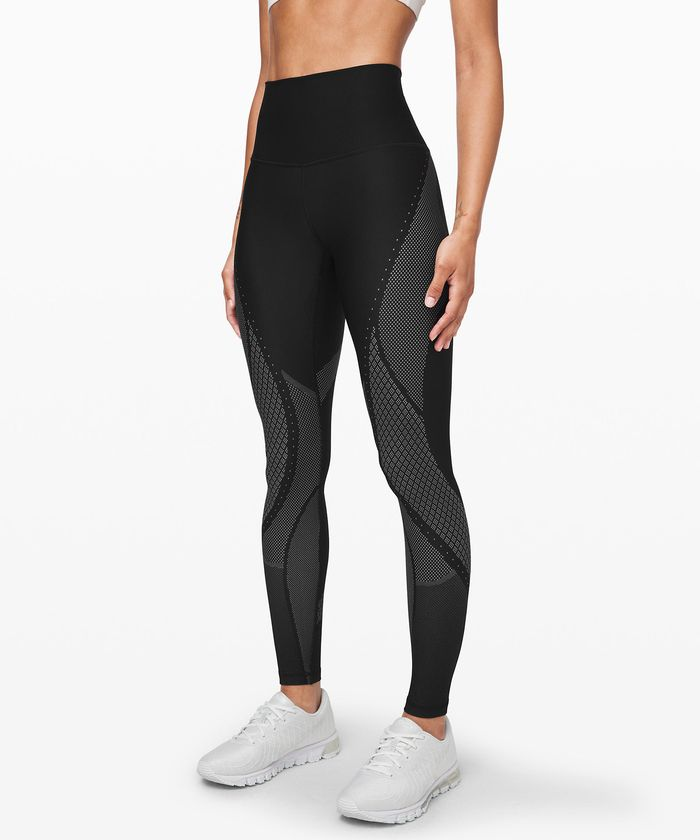 Lululemon Never Has Sales But It S Having One Right Now Thethirty