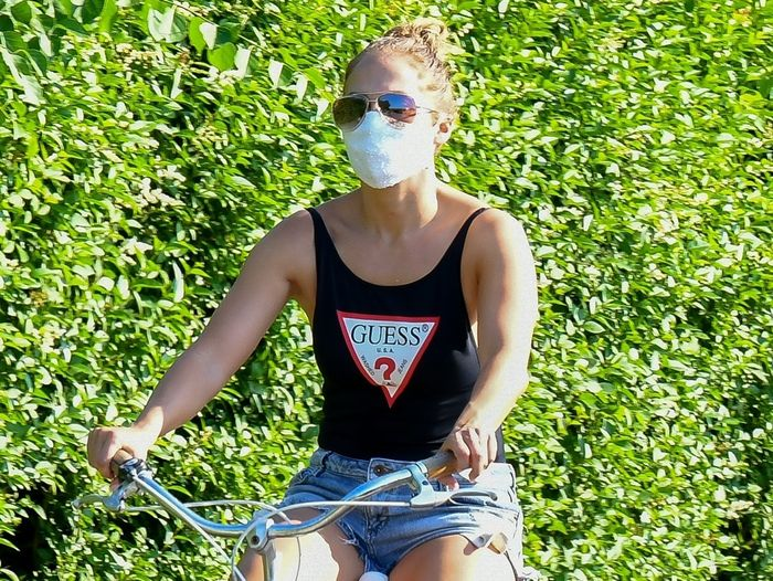 Shop the Exact Face Masks Jennifer Lopez and Aniston Just Wore