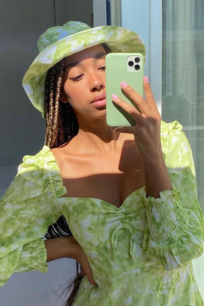 The 18 Best Bucket Hats Fashion Girls Are Wearing Now Who What Wear