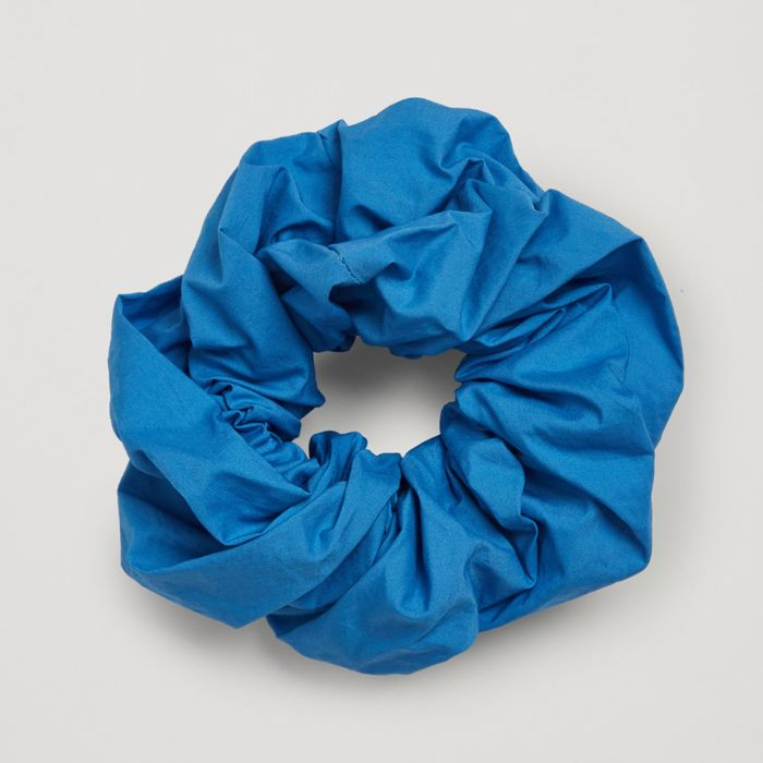 COS Organic Cotton Scrunchie