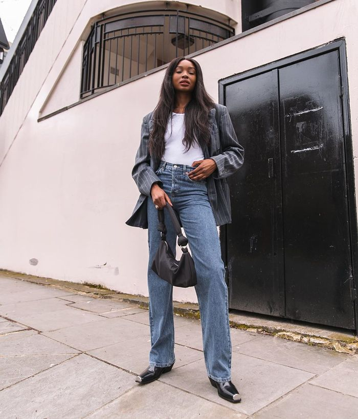 The best loose-fitting jeans with a blazer