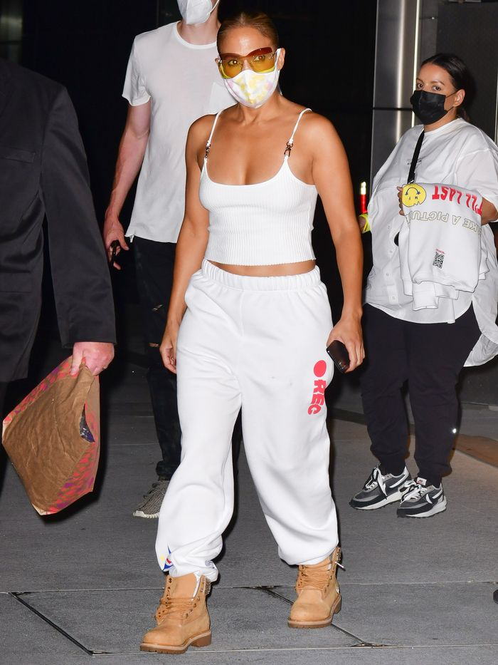 Jennifer Lopez's White Tank Top and Sweatpants