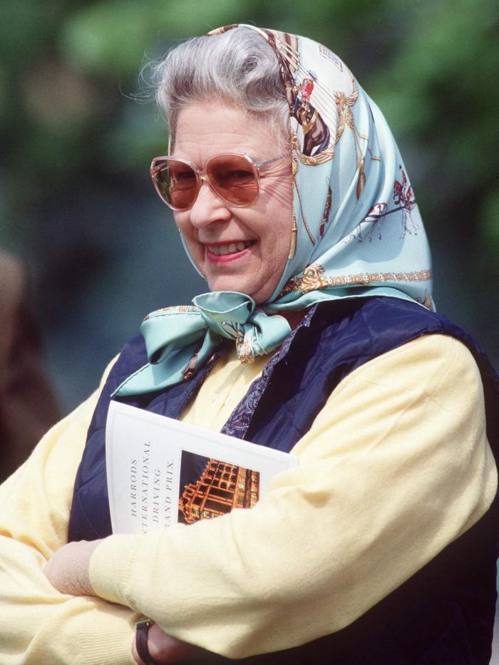 quilted vests: queen elizabeth wearing a gilet