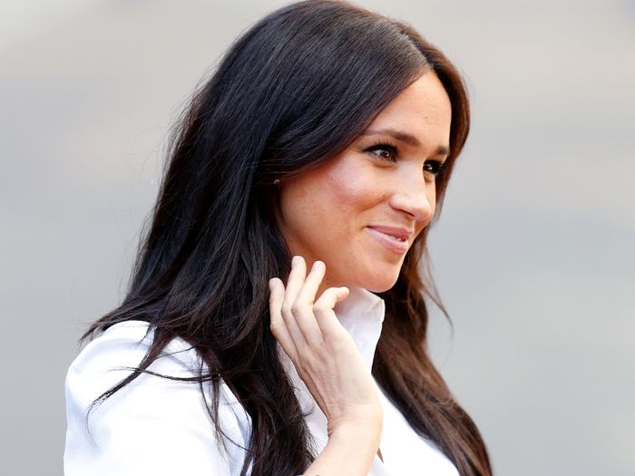 Meghan Markle Wore Shorts and Sneakers With the Cutest Face Mask