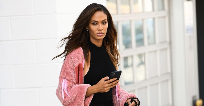 Whowhatwear Com On Flipboard Joan Smalls Wore The New Uggs That Are Likely To Sell Out By October