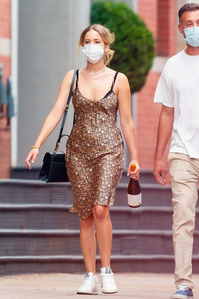Jennifer Lawrence summer 2020 outfit