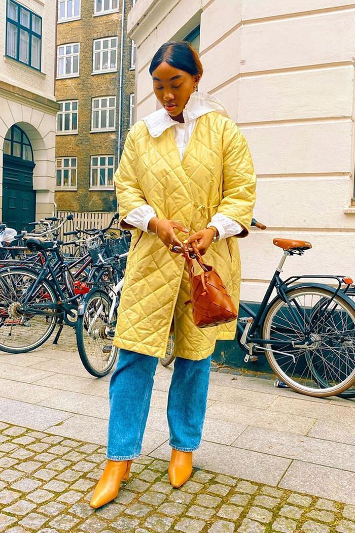 Collarless coat trend