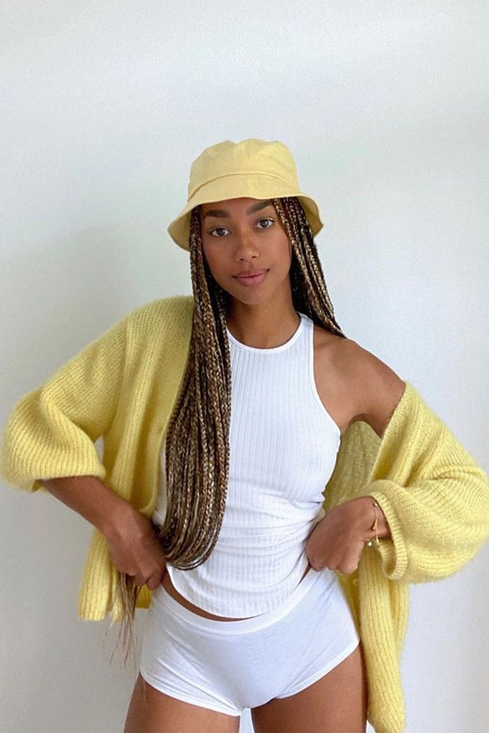 27 Bucket Hat Outfits That We Re Betting You Ll Want To Try Who What Wear