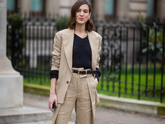 5 Alexa Chung Street Style Outfits That I Still Want to Copy