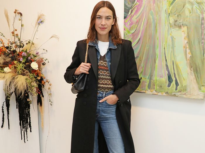 Alexa's Simple Layered Outfit is All I Want To Wear This Autumn