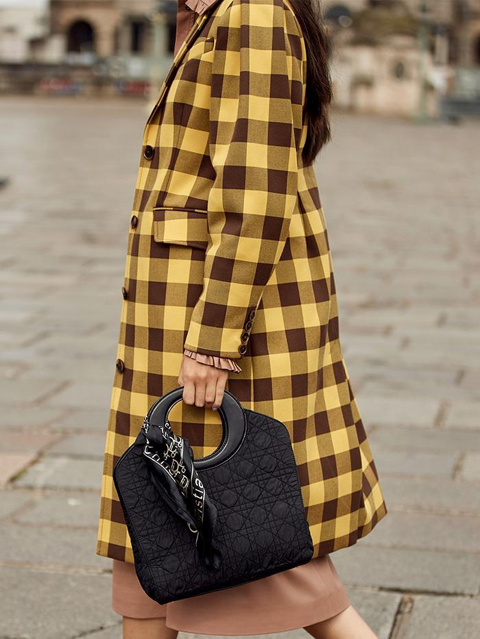 Best Designer Scarfs: Street Style