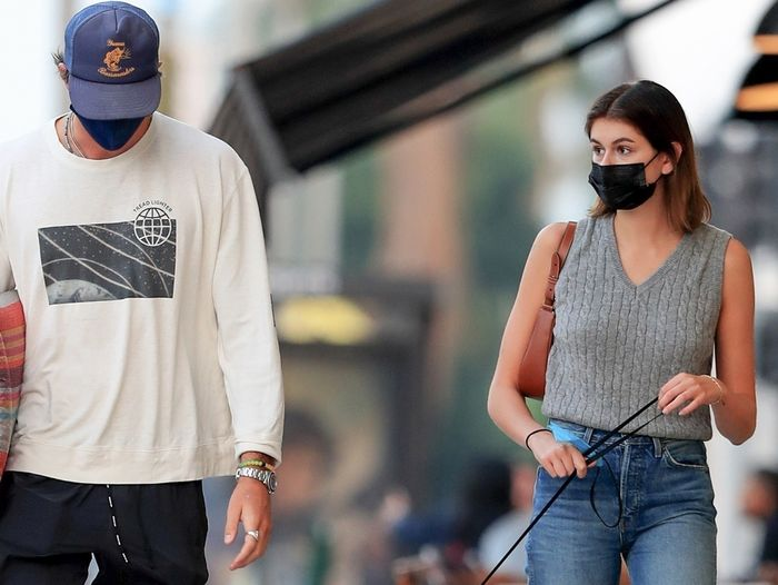 Kaia Gerber Wore the Season's Biggest Grandma Trend With Jeans