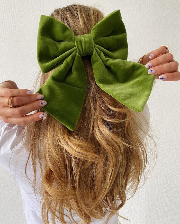Best Hair Accessories: @emilisindlev