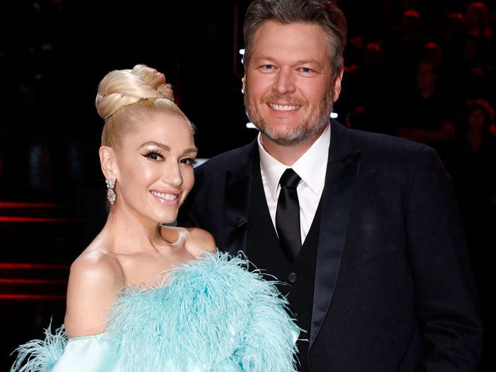 Gwen Stefani and Blake Shelton Are Engaged - see the engagement ring