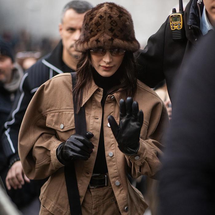 Bella Hadid Best Touchscreen Gloves for Women