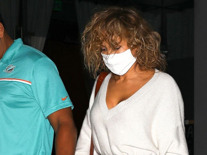 Jennifer Lopez Wore Winter's Most Comfortable Dress Trend Out to Dinner