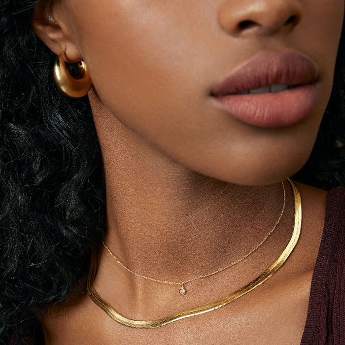 Gold Jewelry Holiday Gifts From Mejuri