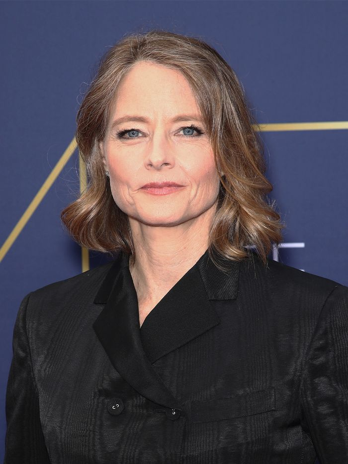 Haircuts for Women in Their 50s: Jodie Foster