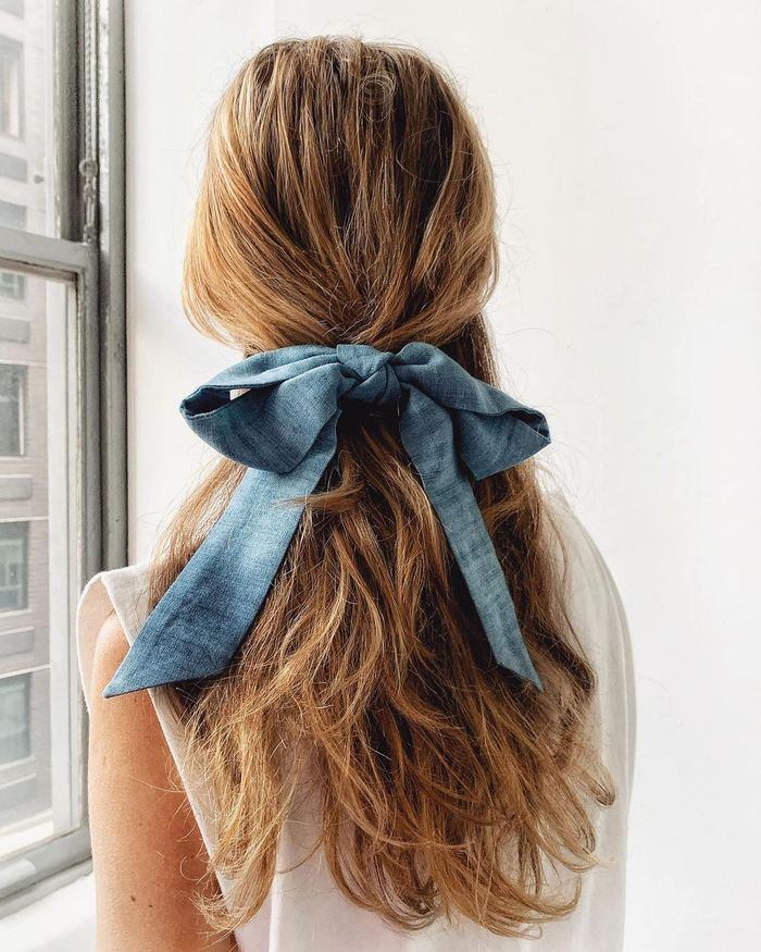 Hair Trends 2021: @leletny's bow looks beautiful set against long layers