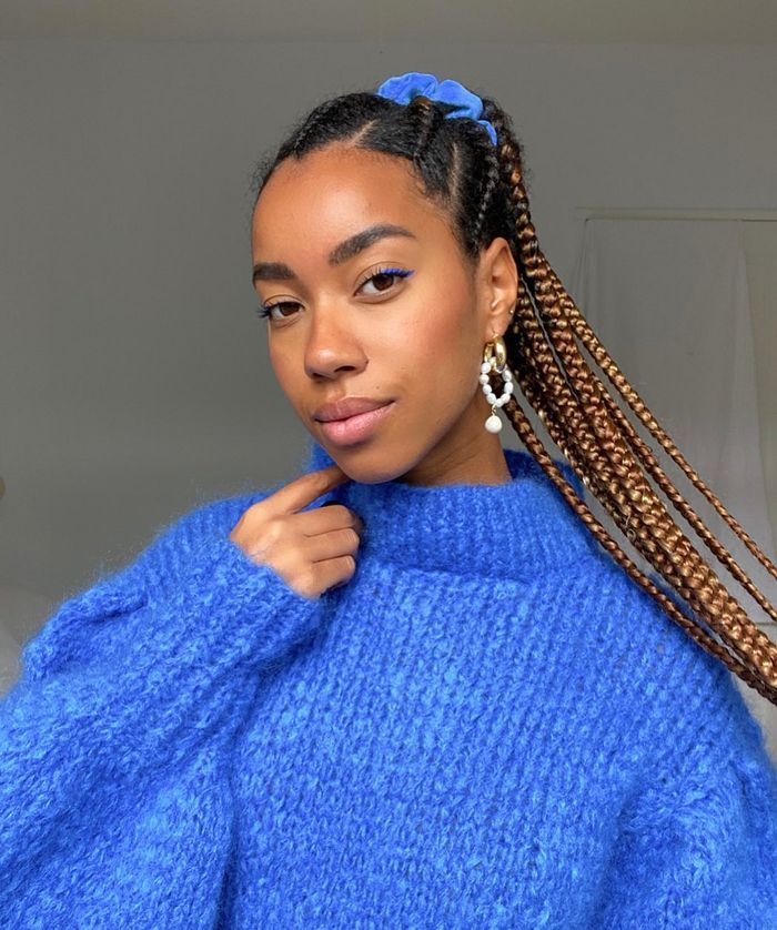 Party Ponytails: @amaka.hamelijnck matches her scrunchie to her jumper