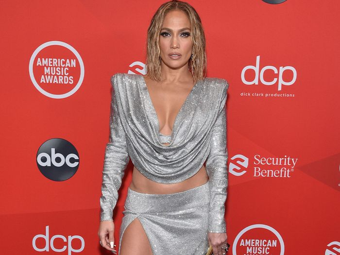 Best looks from 2020 American Music Awards