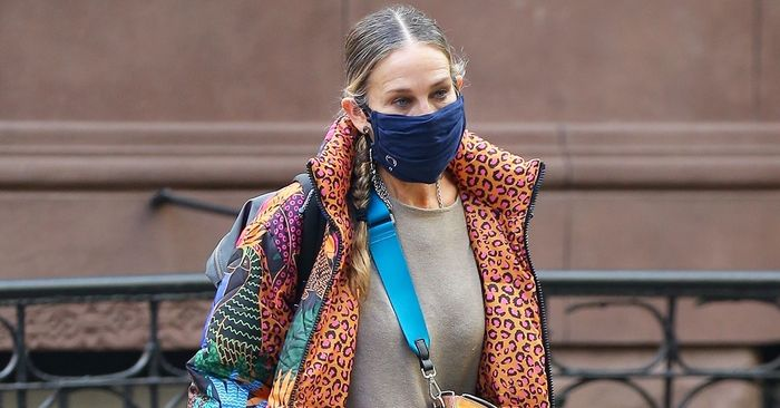 """SJP Wore the """"Ugly"""" Winter Shoe Trend That's Fresher Than Anything Else"""