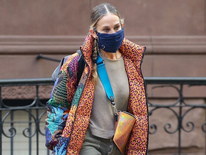 "SJP Wore the ""Ugly"" Winter Shoe Trend That's Fresher Than Anything Else"