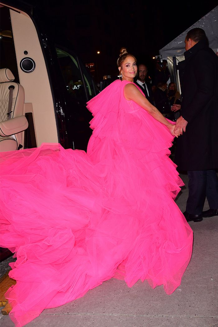 Bright pink dress trend 2021: Jennifer Lopez wearing Giambattista Valli tulle