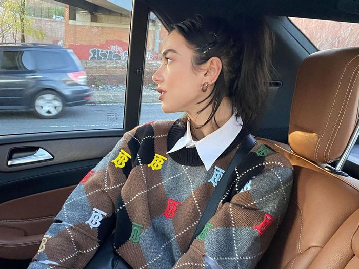 The Simple Styling Trick Everyone's Flaunting on Instagram