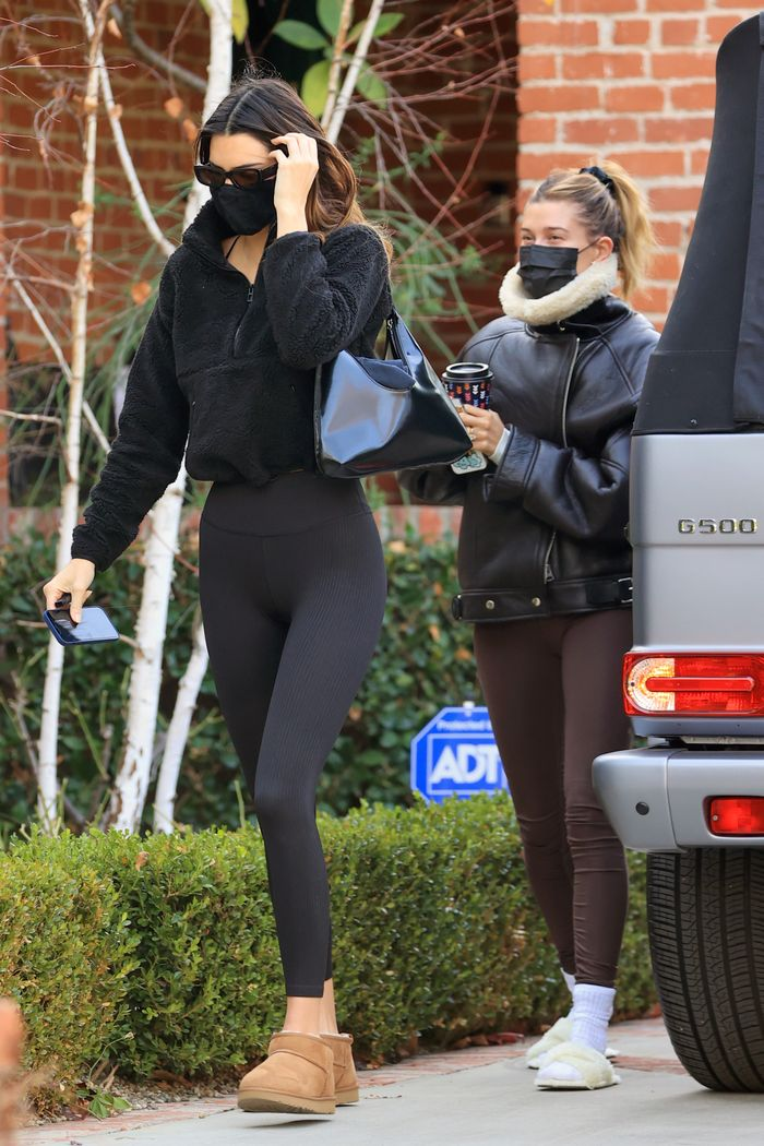 kendall jenner wearing ugg boots and leggings