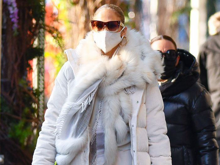 Jennifer Lopez Just Wore the Year's Cheapest It Item