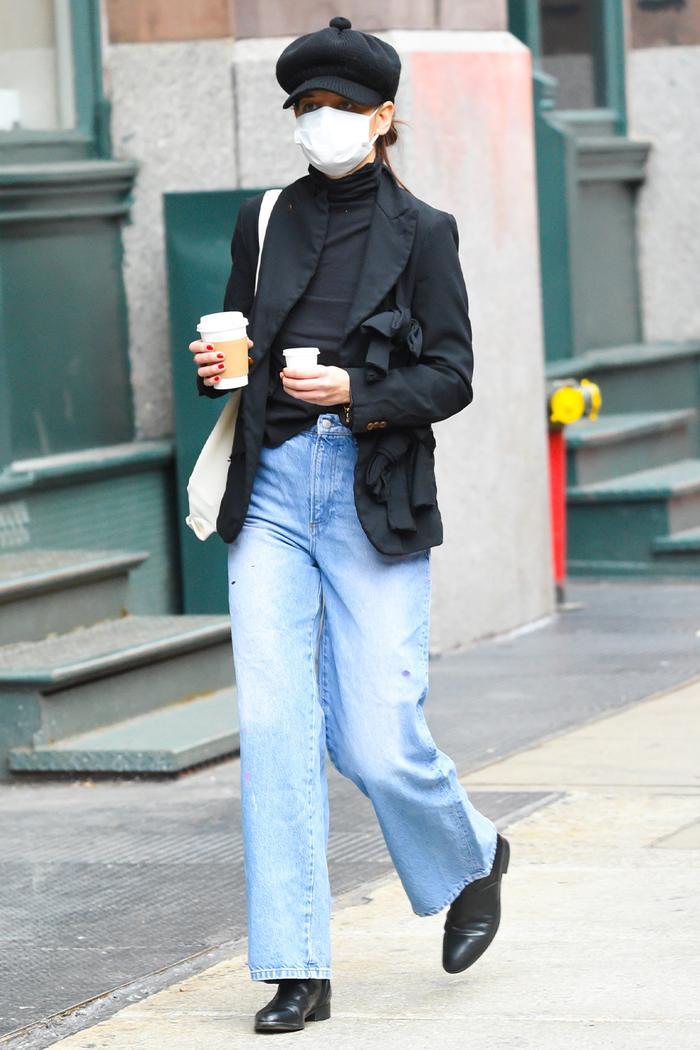 Katie Holmes Jeans Outfits: Black Blazer +  Wide Leg Jeans
