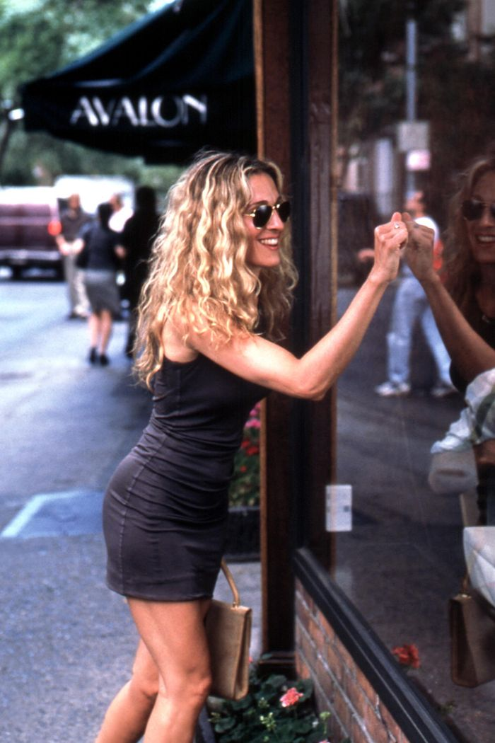 Sex and the City reboot: Carrie Bradshaw in a little black dress