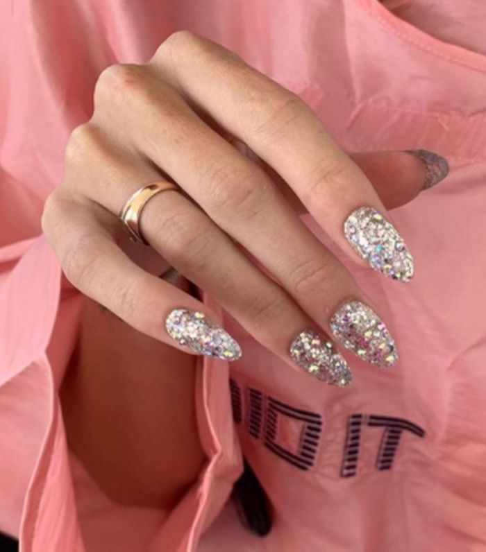 The Best 90s Nail Trends: Chunky Glitter