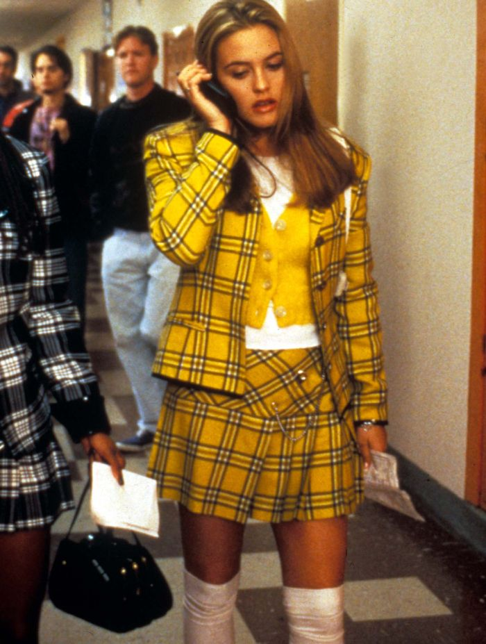 move outfits: cher's checked skirt in clueless