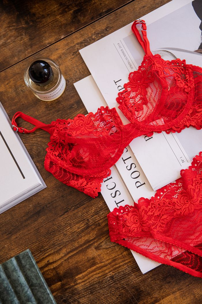 best colourful lingerie: red lace bra and knickers from Lonely