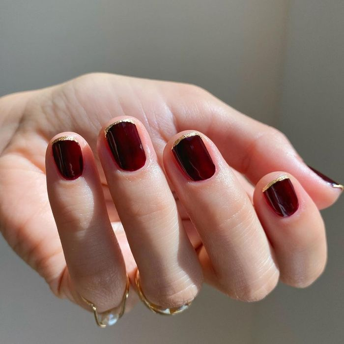 Best Chanel Nail Polish: @betina_goldstein wears Rouge Noir