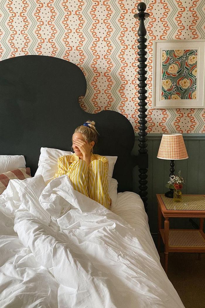 Fashionable wallpaper: