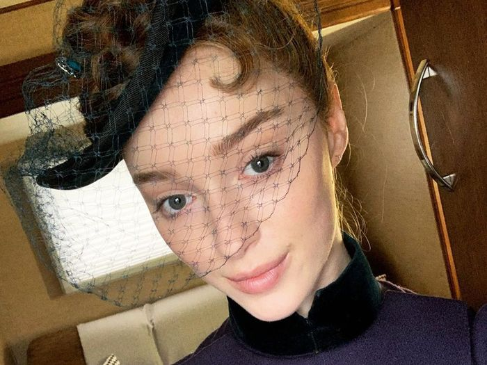 Phoebe Dynevor Wore the Cool Sweatpants Outfit Everyone Is Wearing This Winter