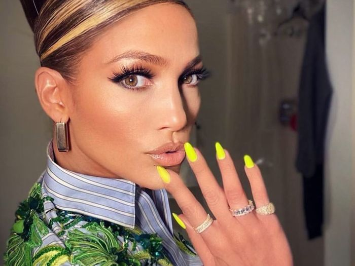 This Controversial '80s Nail Trend Is Back, and We're Not Complaining