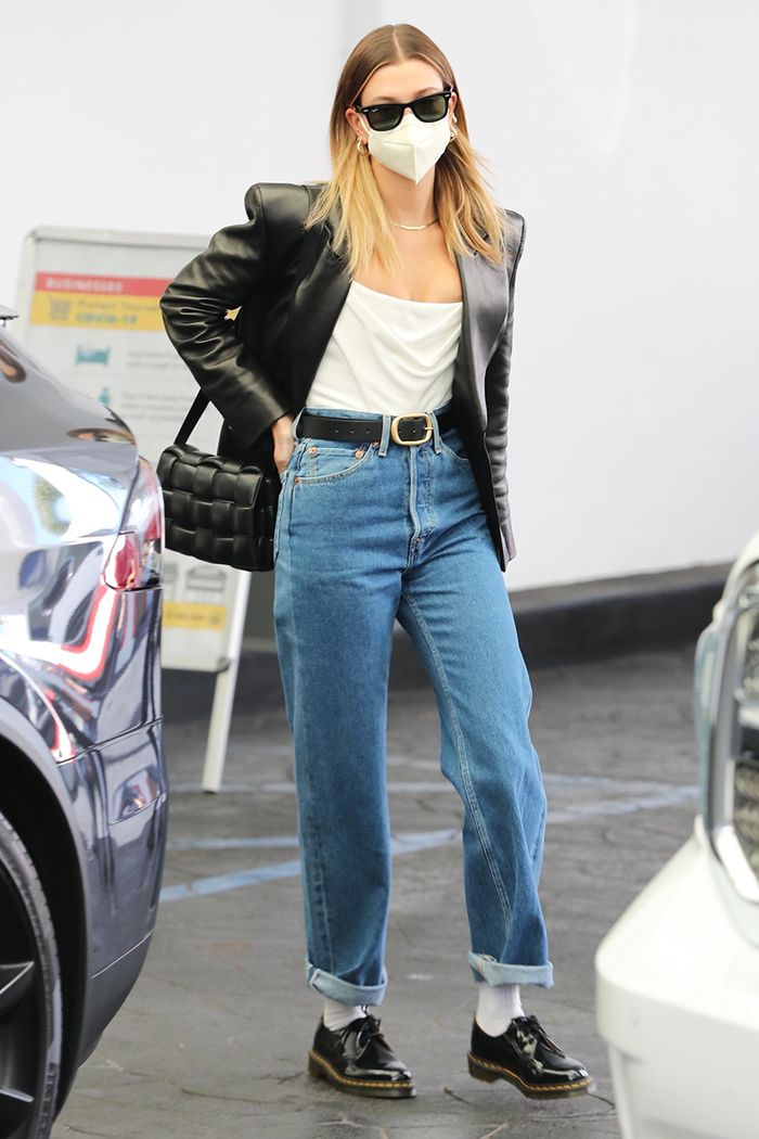 Hailey Bieber jeans outfit