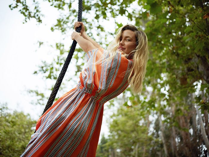 Kate Hudson on Quarantine Workouts, Wellness Tips, and Her Golden Globes Plan