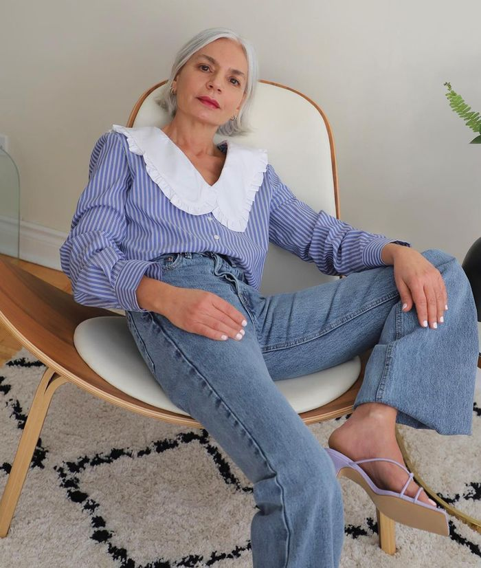 spring outfits 2021: embroidered blouse with jeans