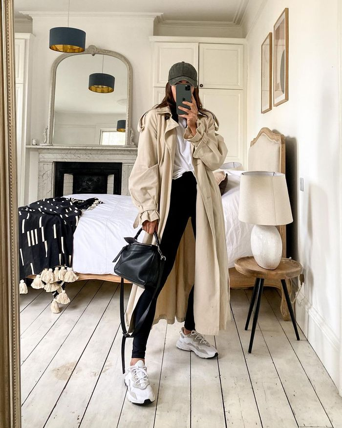 London Fashion Trends Spring 2021: @_jessicaskye wears a trench coat