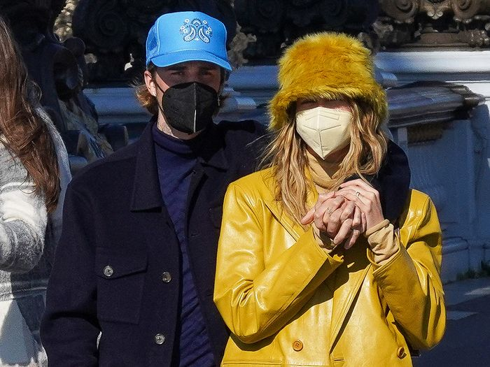 Hailey and Justin Bieber Reached Peak Couple Style on the Streets of Paris
