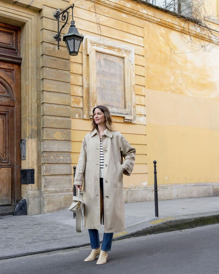 French Fashion Essentials: @ruerodier wears a chic trench coat